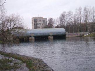 Рисунок 3. Плотина Гаусмана в верхнем бьефе