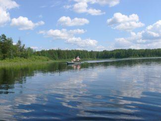 Заказник «Карстовые озера» – это живописные, окруженные хвойными лесами, уникальные водоемы с непостоянным уровнем и даже полным уходом вод