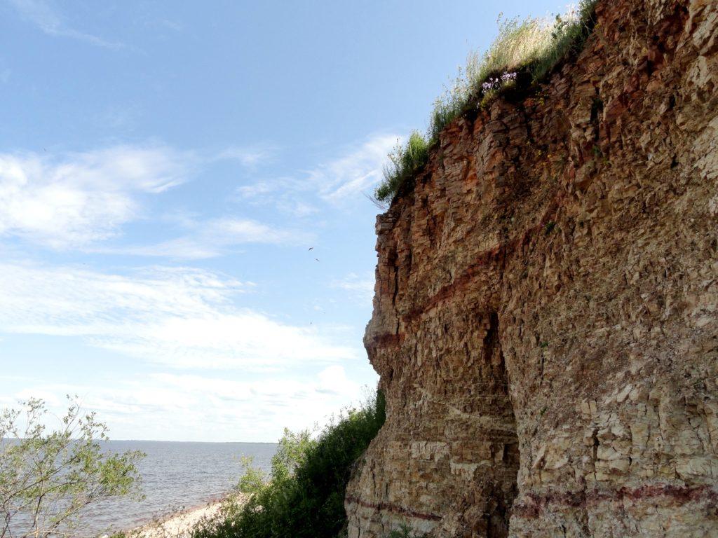 Памятник природы «Ильменский глинт» – уникальное обнажение верхнего девона; учебный полигон для будущих геологов и географов